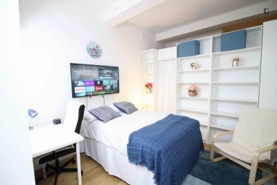 Charming double bedroom, in a residence near Wall Street metro station