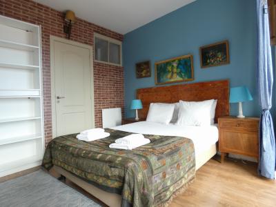 2-Bedroom apartment near Museu da Marioneta