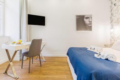 2-Bedroom apartment near Rossio metro station
