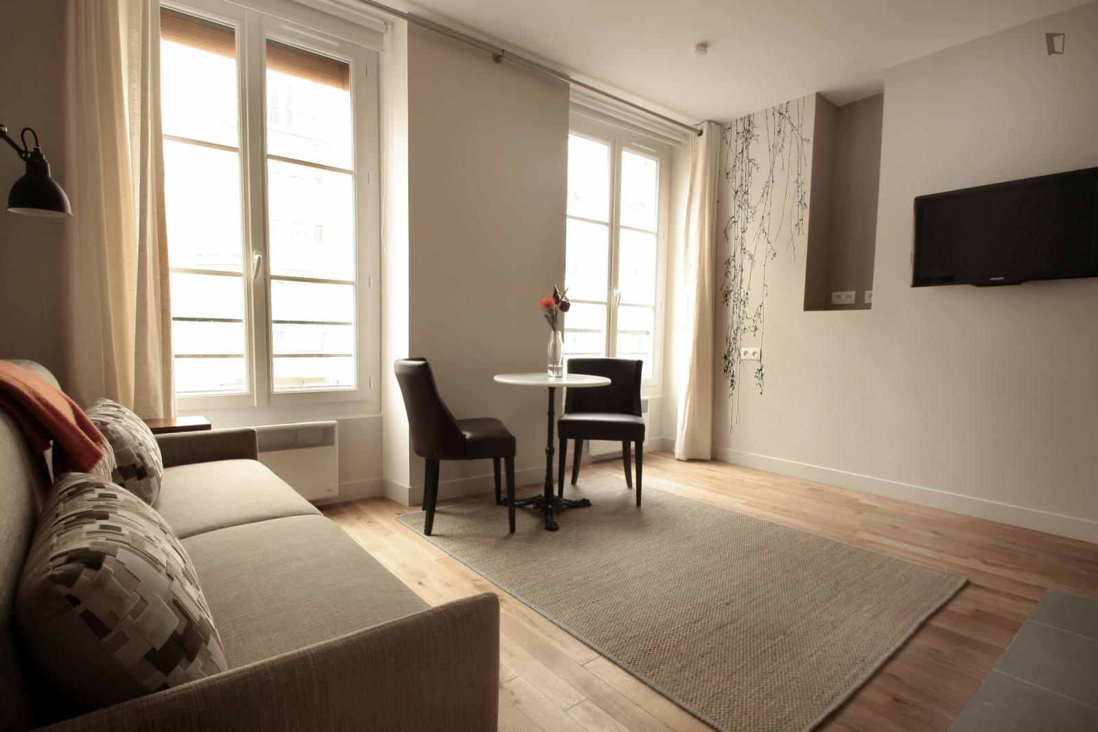 Rue d'Aligre, 12th arrondissement of Paris, FR-75 - 1,363 EUR/ month