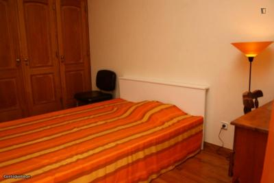 Private bedroom near Politécnico de Lisboa