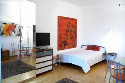 Neat 2-bedroom flat in Charlottenburg