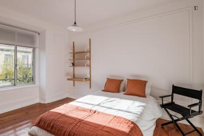 Bright apartment in Lisbon / Bills included
