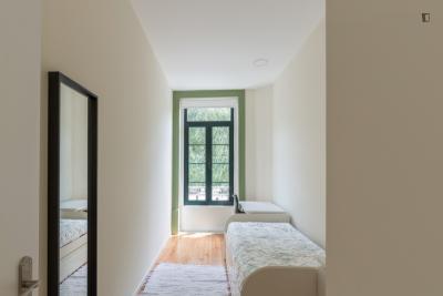 Snug and bright single bedroom near ISEP - Instituto Superior de Engenharia do Porto