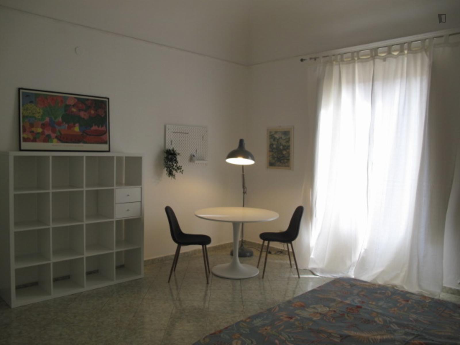 Via Emerico Amari, Palermo, ND - 350 USD/ month