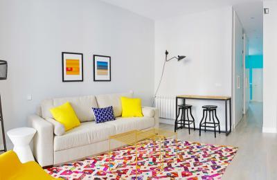 Charismatic 1-bedroom apartment near the Puerta de Toledo metro