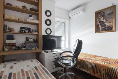 Comfy twin bedroom in Carnide