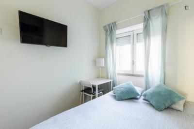 Doppelzimmer in 5-Schlafzimmer Wohnung