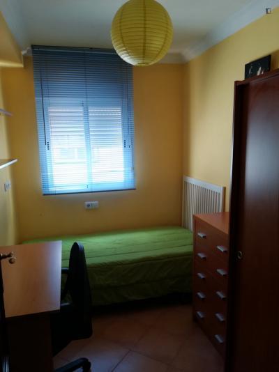 Comfy single bedroom in Barrio del Oeste