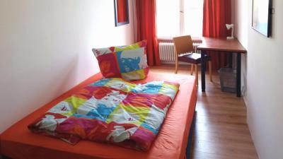 Superb double bedroom in Moabit