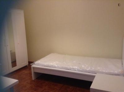 Single bedroom in a 3-bedroom apartment near Olivais metro station