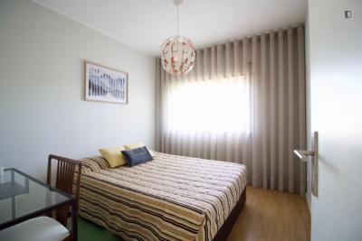 Cosy double bedroom close to Nasoni metro station, Fernando Pessoa University