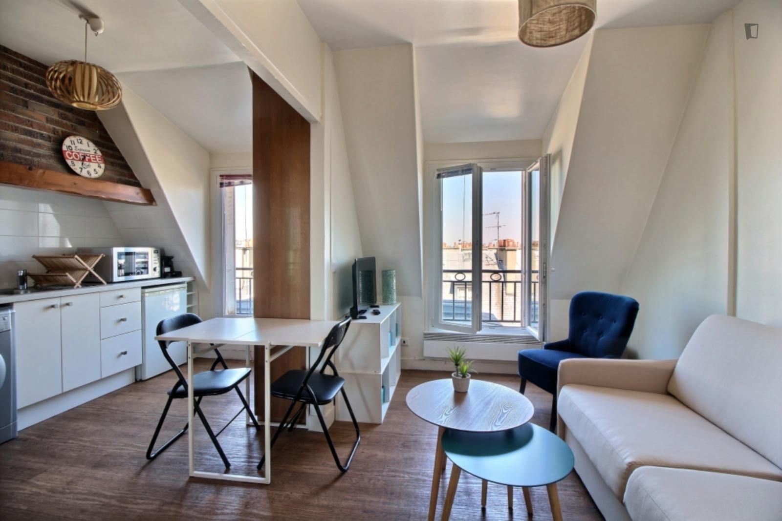 Rue Blaise Desgoffe, 6th arrondissement of Paris, FR-75 - 1,149 EUR/ month