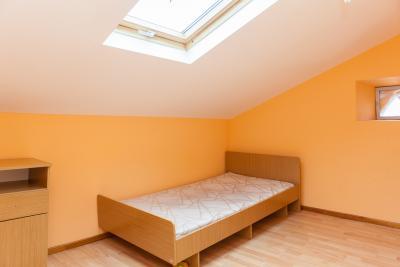 Light single bedroom close to Departamento de Arquitectura da Universidade de Coimbra