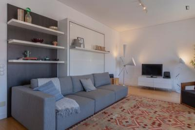 Complete and modern 2-bedroom apartment in the heart of Lisbon