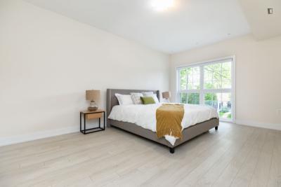 Incredible bedroom bedroom in  the Wallace Emerson neighbourhood