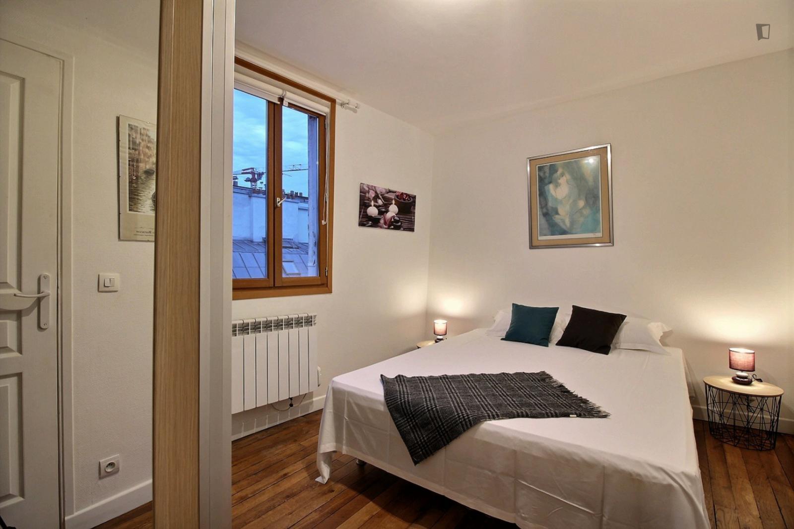 Rue Mandar, 2nd arrondissement of Paris, FR-75 - 1,800 EUR/ month