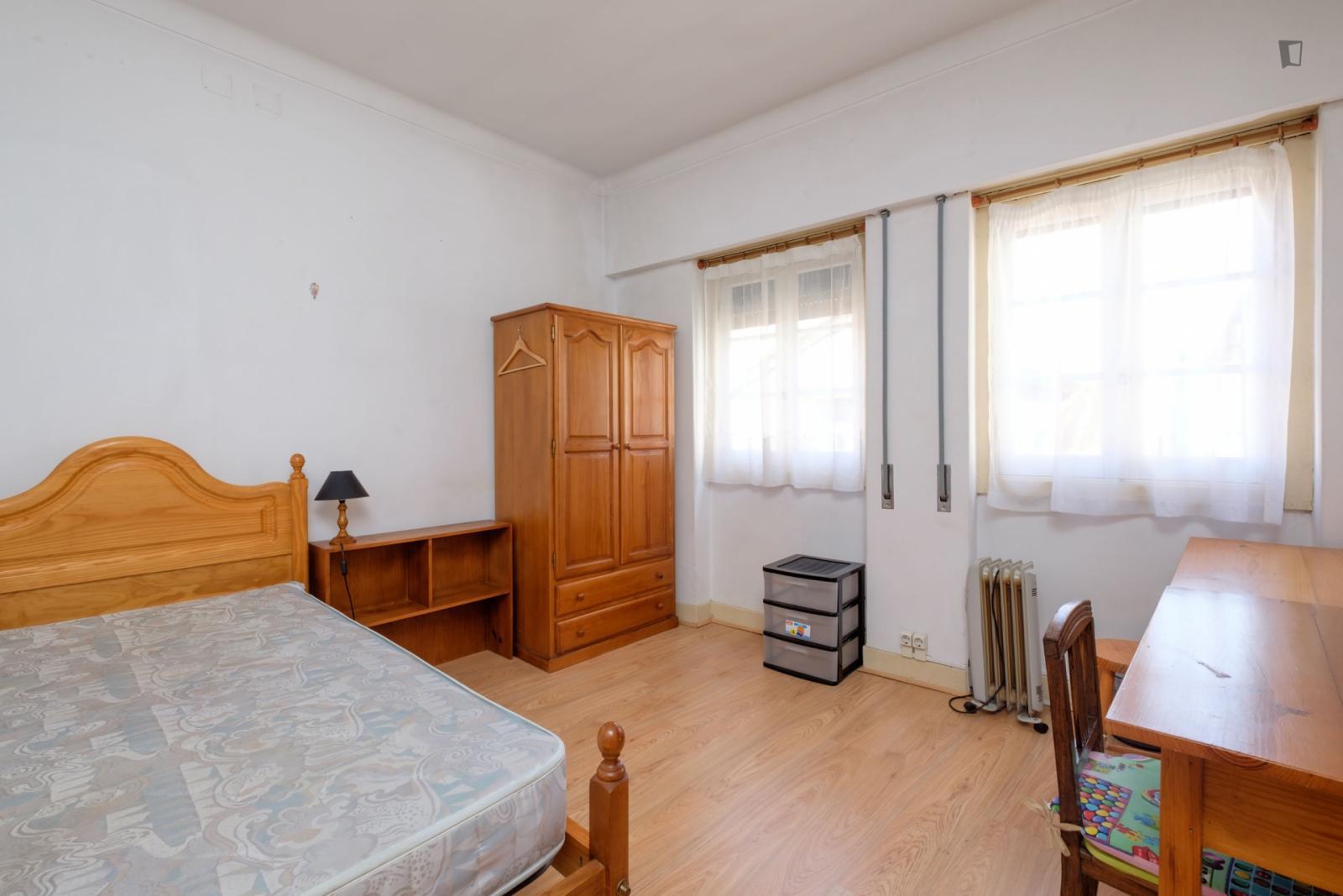 Rua Adelino Veiga, Coimbra, PT-06 - 240 EUR/ month