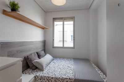 Lovely double bedroom close to Oxford University Press España