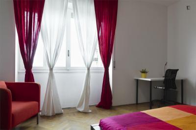 Stylish double bedroom near Sondrio metro station