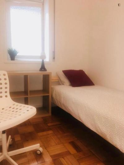Comfy single bedroom ensuite close to Casa da Música