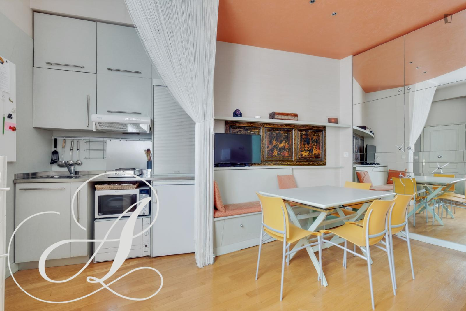 Boulevard Malesherbes, 8th arrondissement of Paris, FR-75 - 1,850 EUR/ month