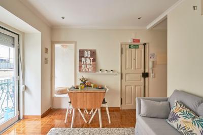 2-Bedroom apartment near Martim Moniz metro station
