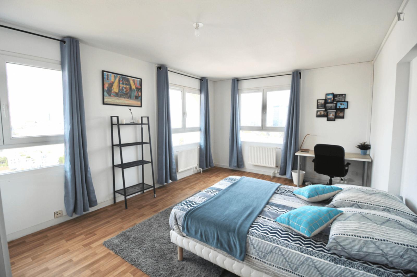 Square Vitruve, 20th arrondissement of Paris, FR-75 - 850 EUR/ month