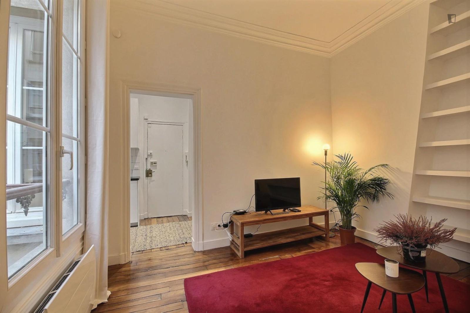 rue Leopold Bellan, 2nd arrondissement of Paris, FR-75 - 1,860 EUR/ month