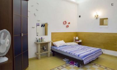 Twin bedroom close to Castro Pretorio metro station