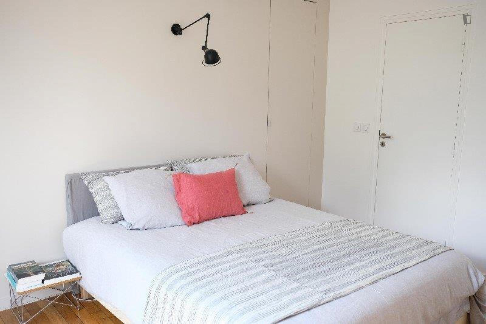 Rue Raymond Losserand, 14th arrondissement of Paris, FR-75 - 1,300 EUR/ month