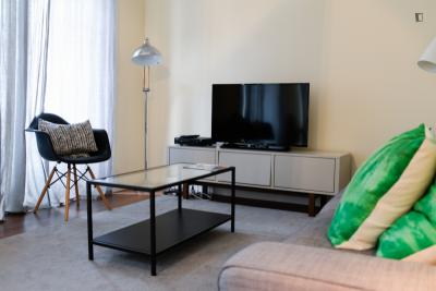 Modern 3-bedroom apartment near the Marquês de Pombal metro