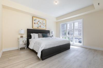 Comfortable double bedroom in Toronto