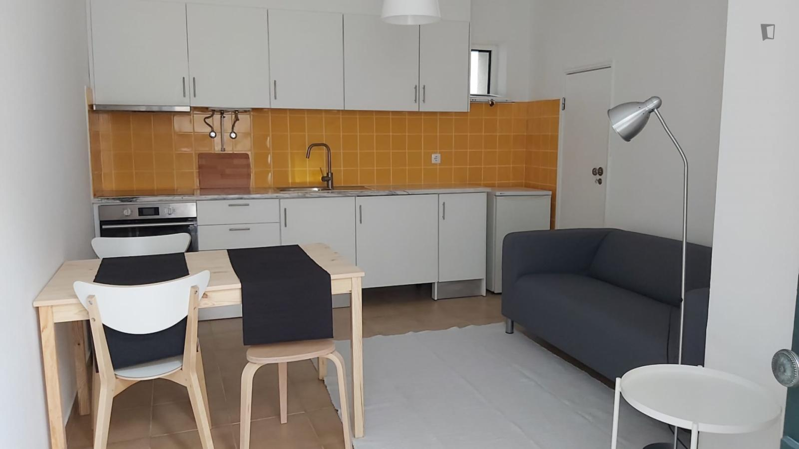 Travessa da Beneficência, Leiria, PT-10 - 320 EUR/ month