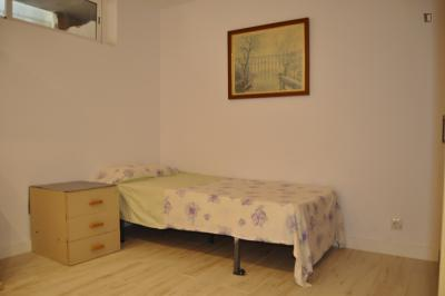 Inviting double bedroom in Móstoles