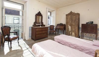 Awesome 5-bedroom flat in Baixa, near Praça do Comércio
