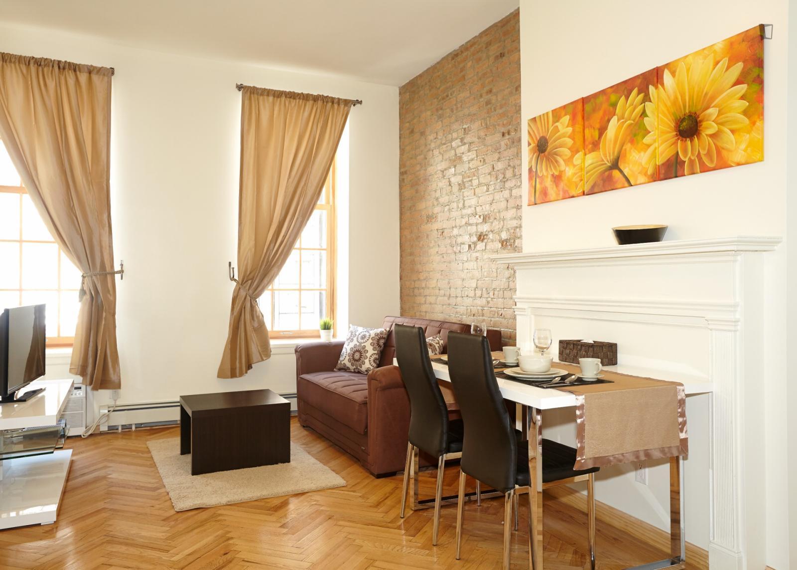 East 51st Street, NEW YORK CITY, NV - 2,600 USD/ month