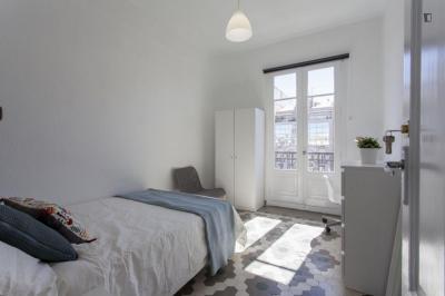Amazing double bedroom with balcony in Russafa