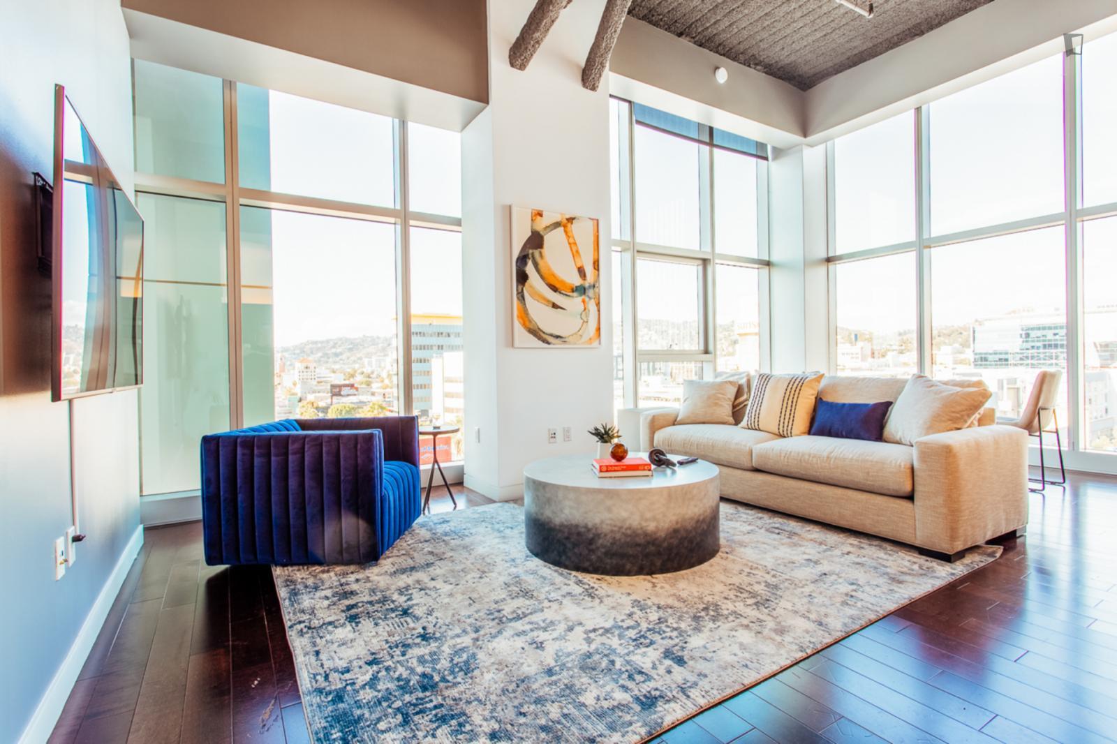 Vine Street, Los Angeles, AZ - 4,739 USD/ month