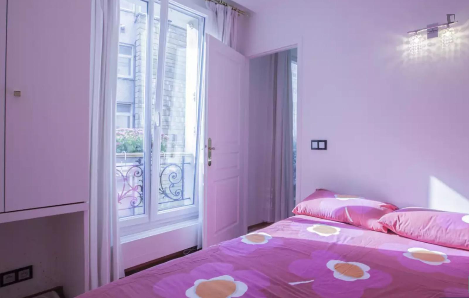 Rue Boileau, 16th arrondissement of Paris, FR-75 - 1,500 EUR/ month