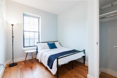 Quick Walk to Metro - Fully Furnished Room
