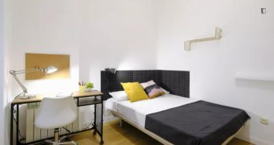 Comfy single bedroom in Argüelles