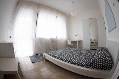 Neat and welcoming double bedroom in Bande Nere-Inganni