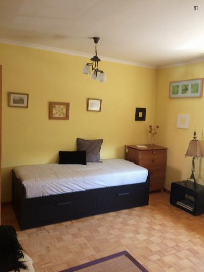 Perfect living room with single/double bed in 3 bedroom apartment
