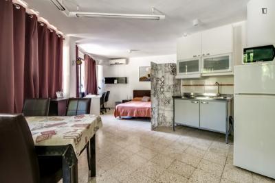 Large and bright studio in La Sagrada Família neighbourhood