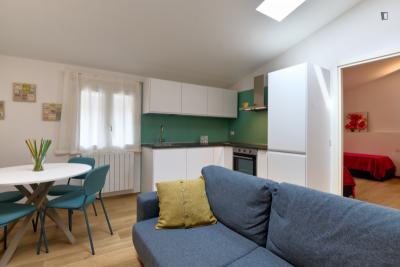 Jasmine House - 1 bedroom apartment in Bovisa with outdoor area