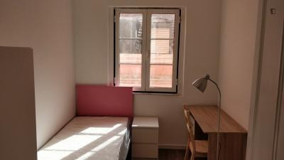 单人床卧室 in 8-卧室 公寓