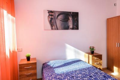 Splendid double bedroom in Vilapicina i la Torre Llobeta