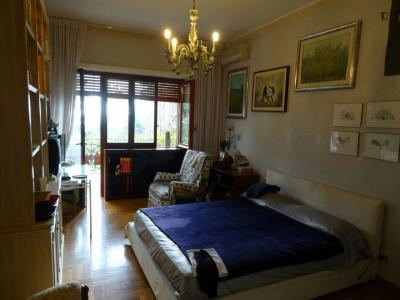 Luxurious double bedroom with a terrace, in Tomba di Nerone