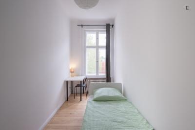 Cosy single bedroom in Kreuzberg